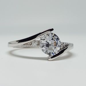 Jewelry - Sterling Silver CZ Ring